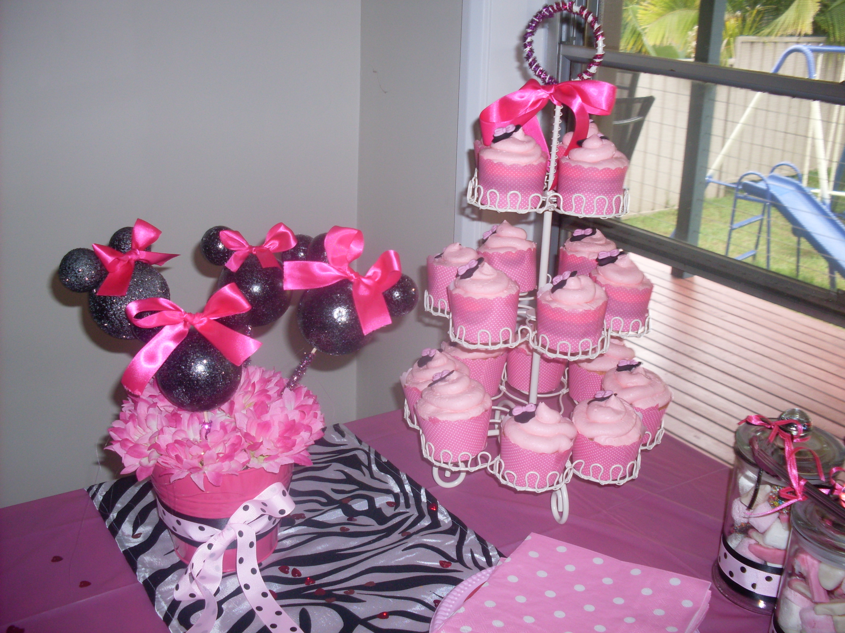 minnie mouse cake A Multifarious Me